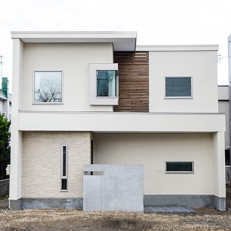 塗りにこだわった塗工な家~五層天守閣でも明るい生活空間を創る~